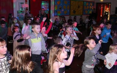 Key Stage 1 Enjoying The Tinseltastic Disco