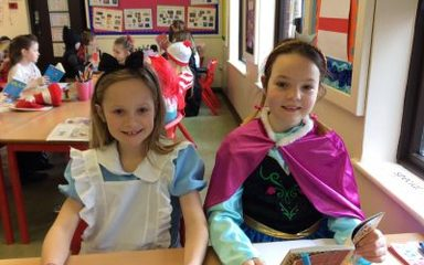 Year 3 Enjoy World Book Day.